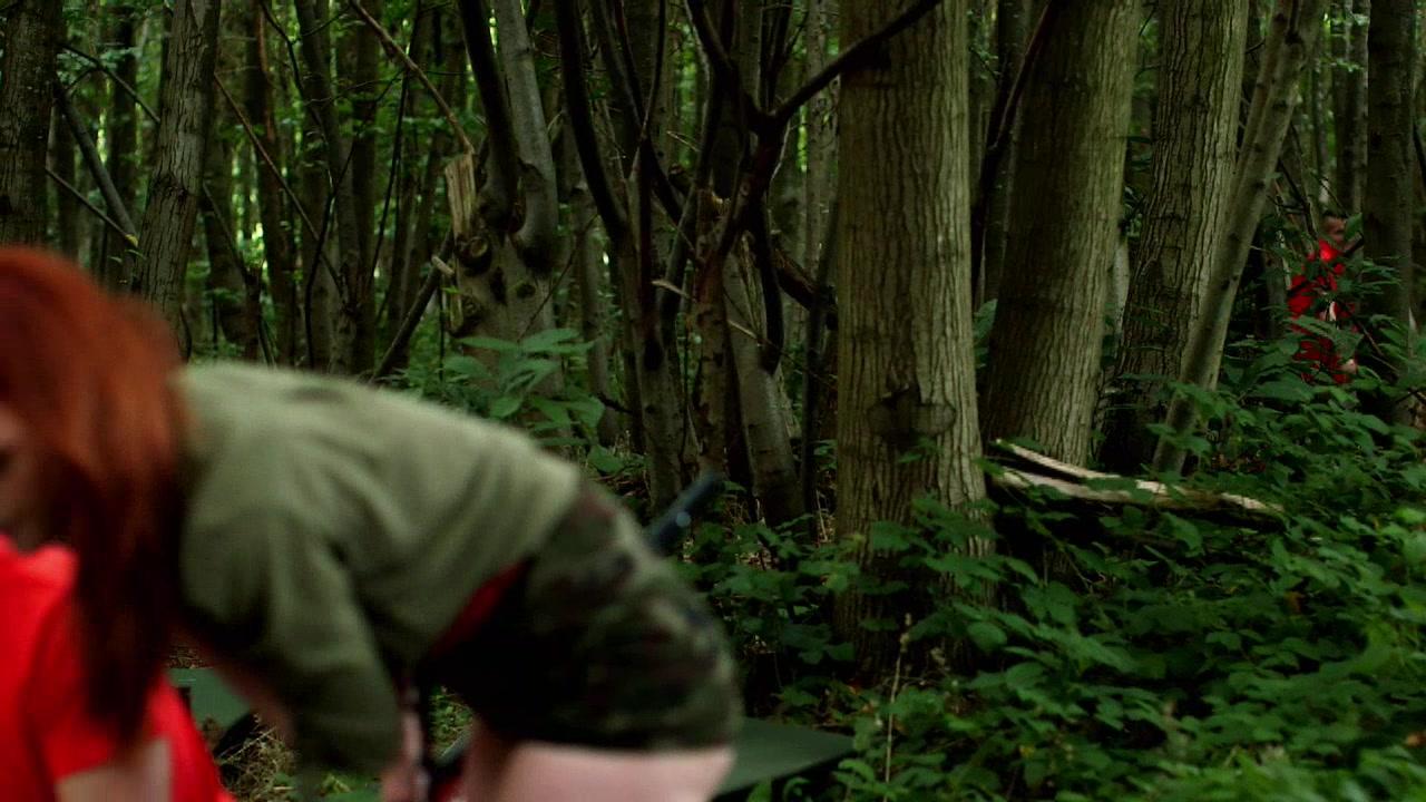 Дикий секс в осеннем лесу