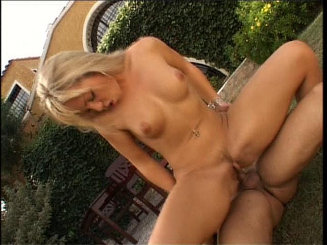 Streaming porn video still #1 from Mujeres Sucias