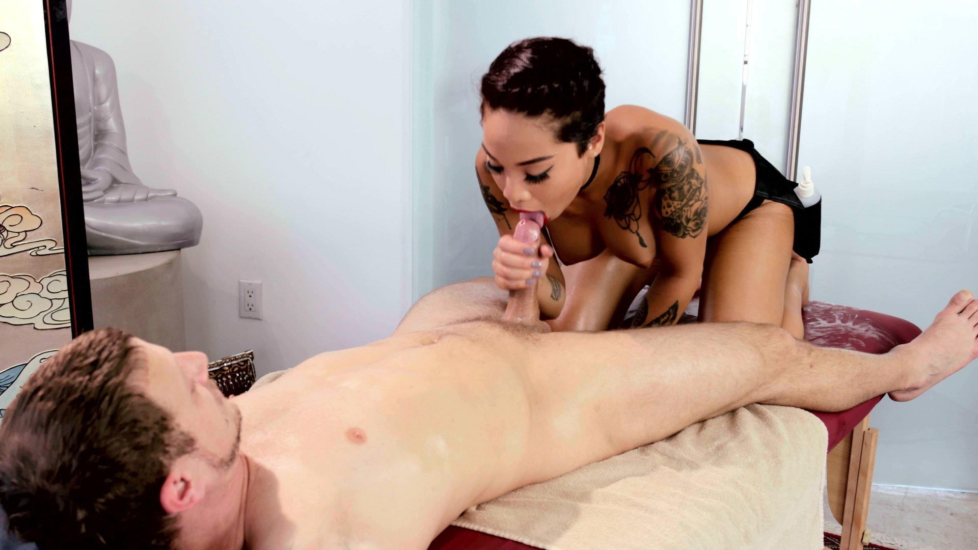 Tattooed asian masseuse sucks and fucks client 3