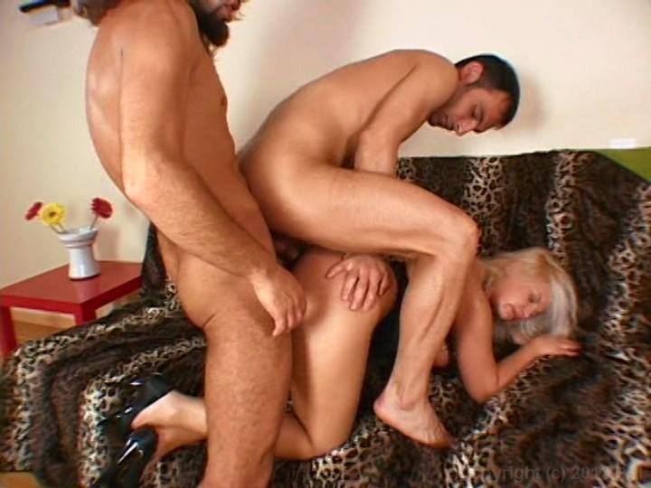 Порно армянка трех проституток