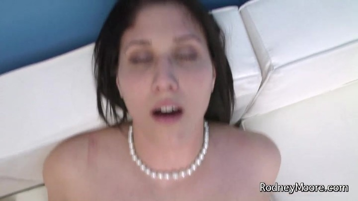 Hot Young Mommas Nude Pics