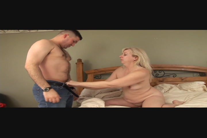 Black mature bbw fucked in ass