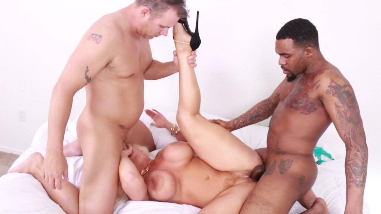 porn Milf interracial threesome