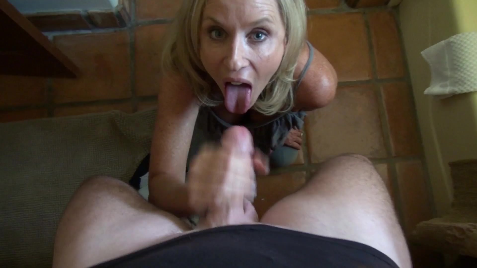 Cherie deville helps step daughter with vibrator 1