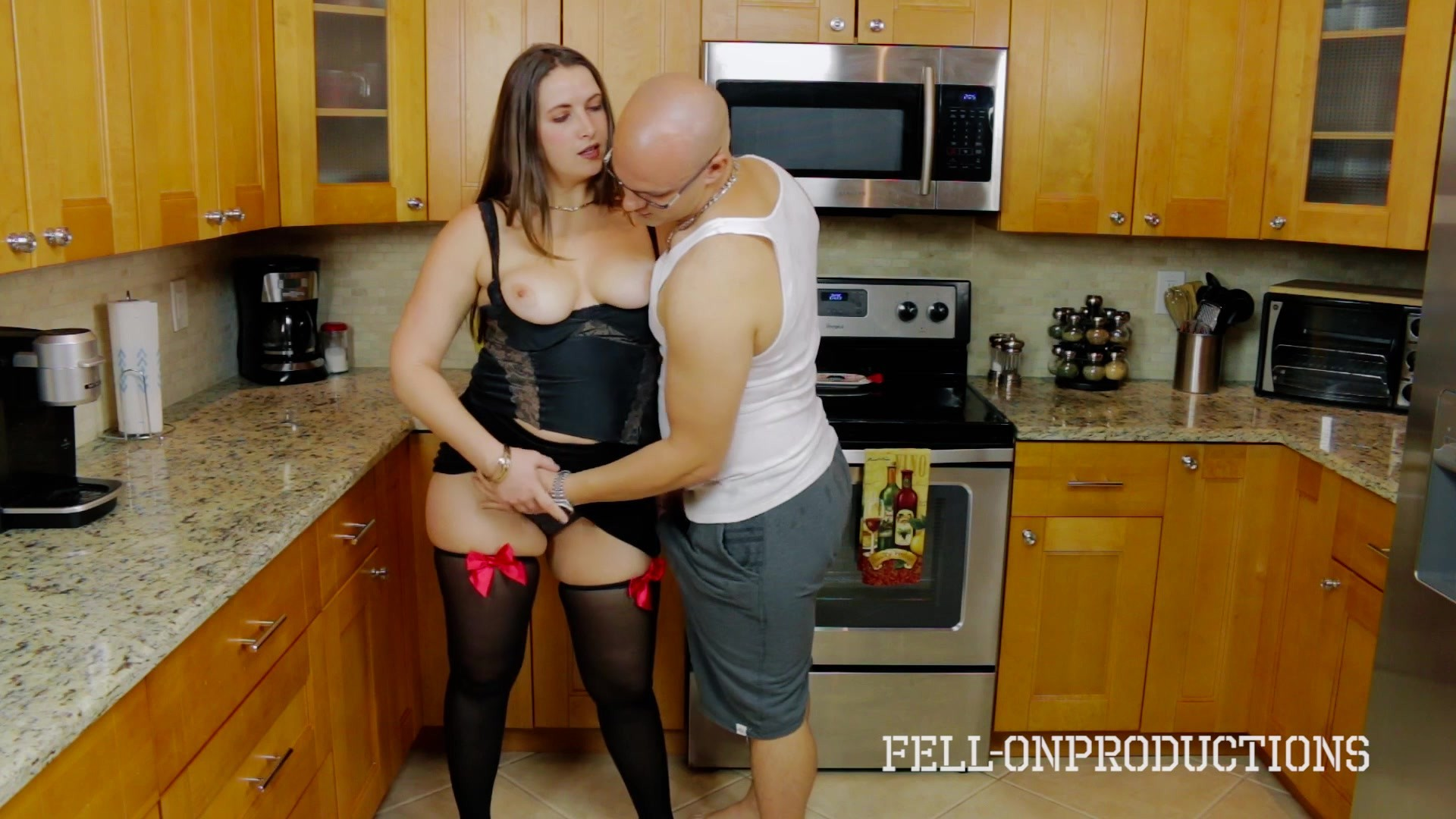 Cooking For Stepmom  Science Experiment Videos On Demand -2532