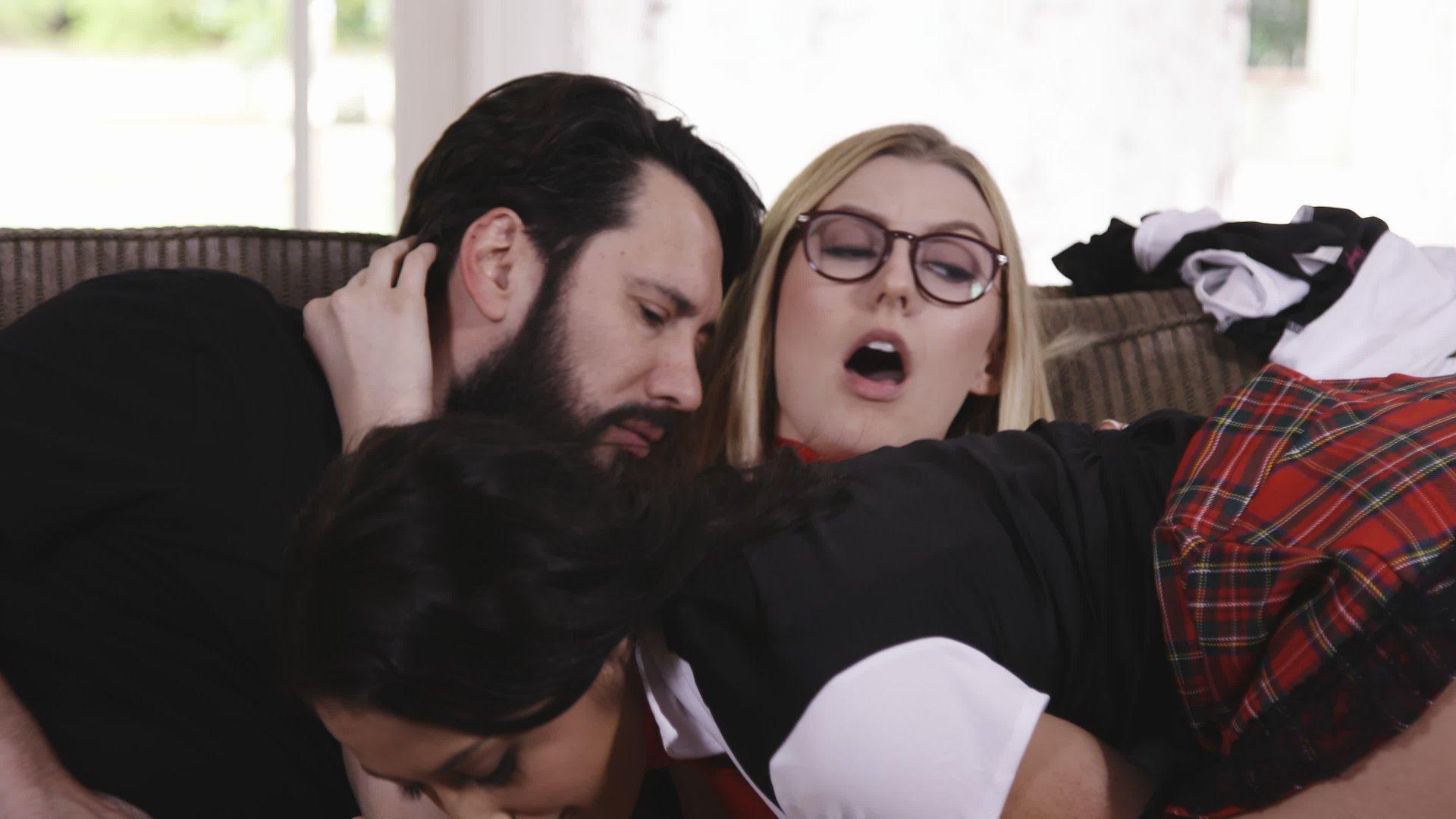Silicone freee threesome avi movies