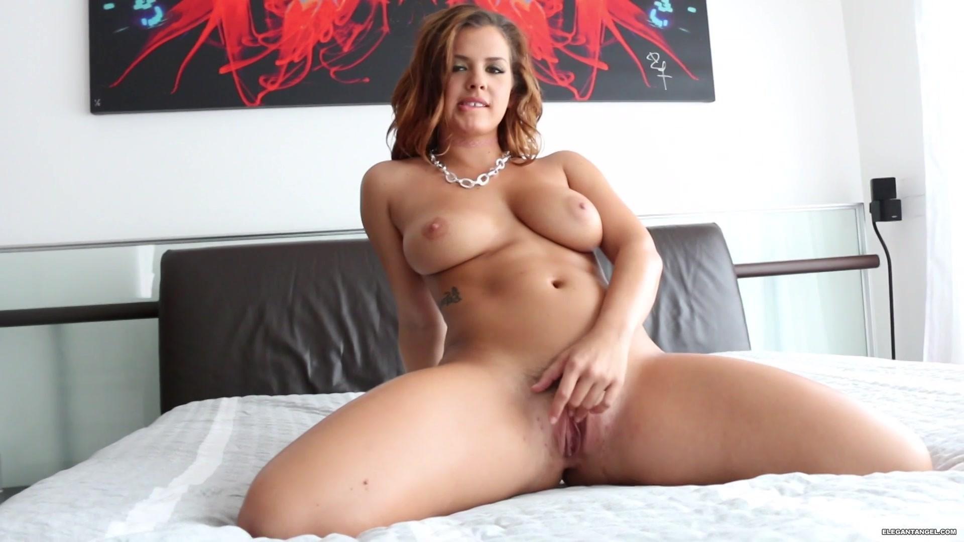 Xxx curvy women