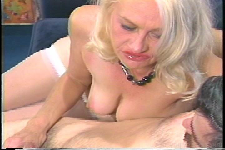Granny blonde anal — photo 7