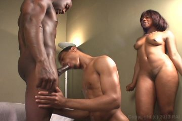 2 males 1 female threesome videos