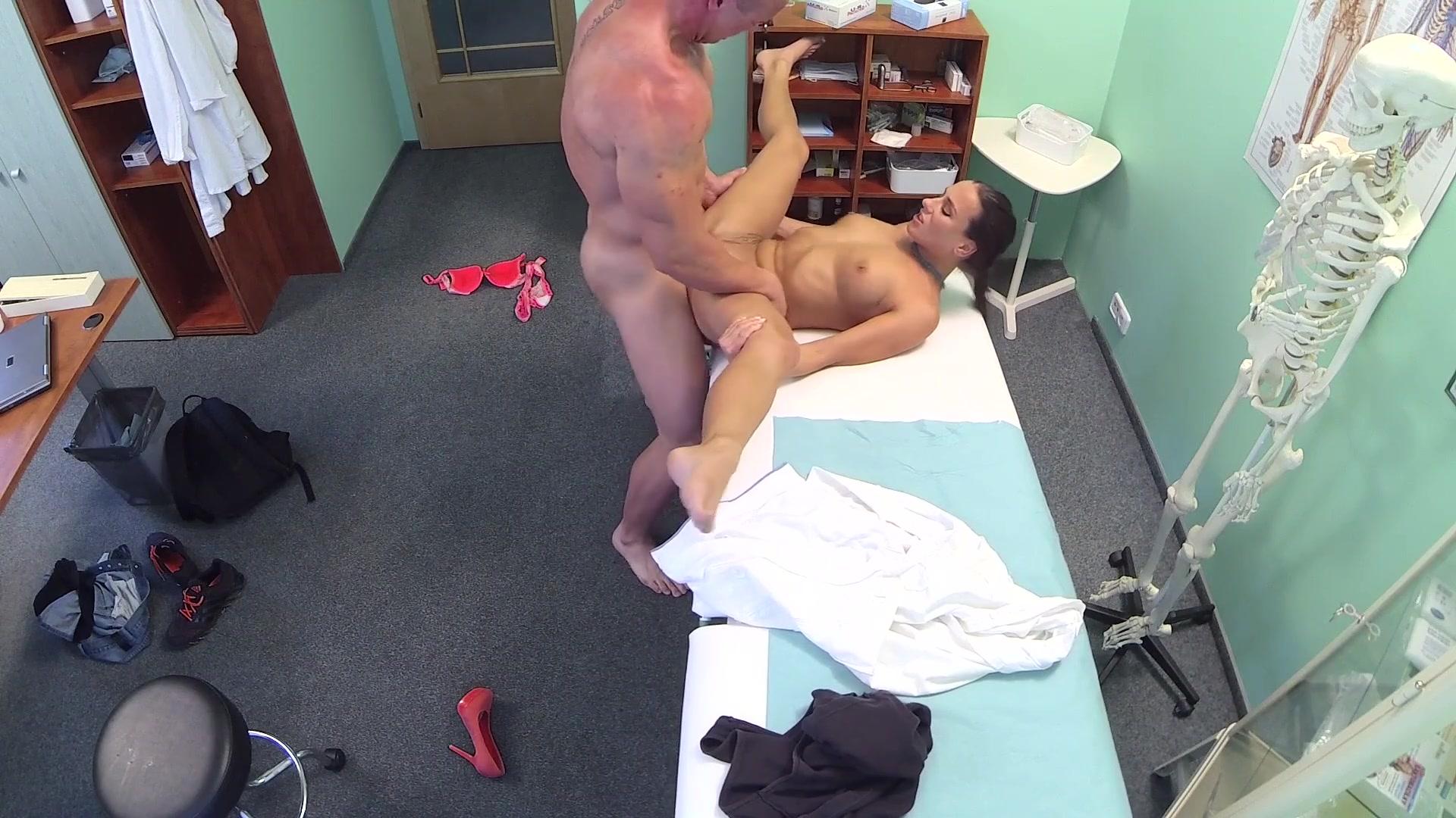 seks-na-shpionskuyu-kameru