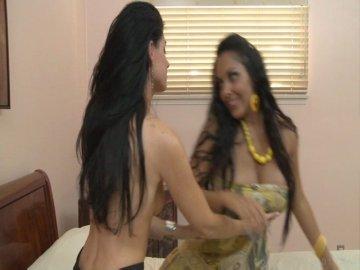 Nina mercedez india summer