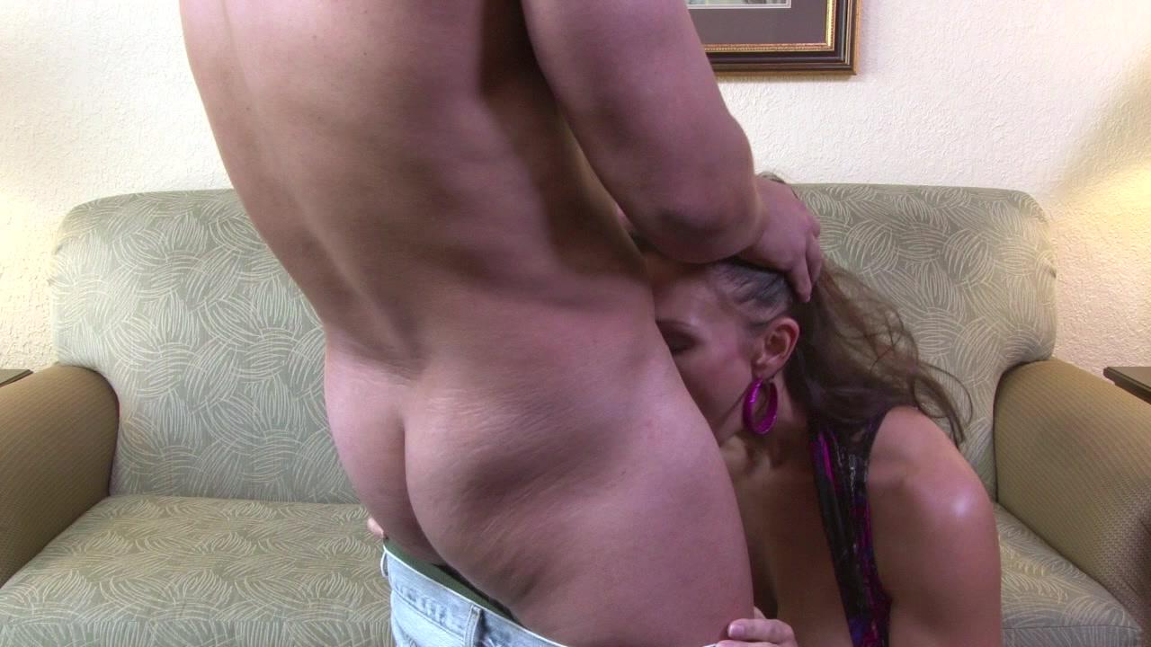 Women peeing mpgs