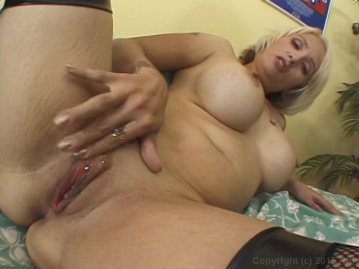 Mature mom sophia mounds 9