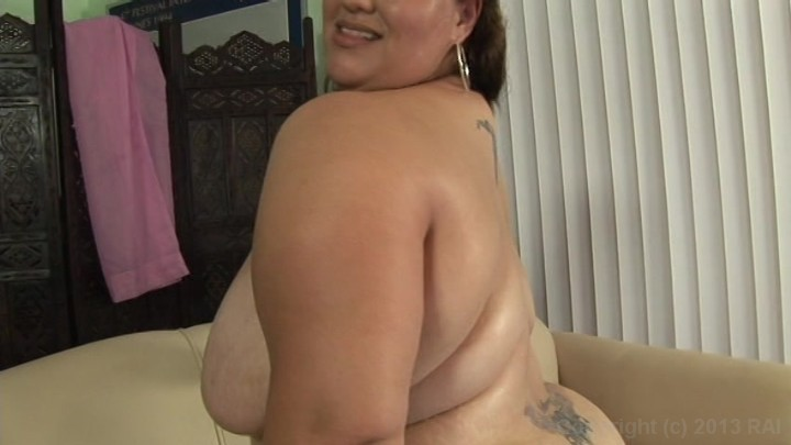 Preview of thick cougar i met online 3