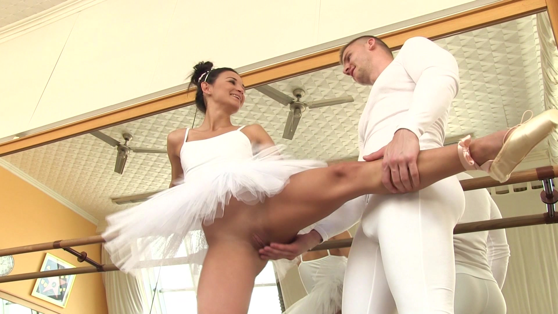 Из балерин в проститутки