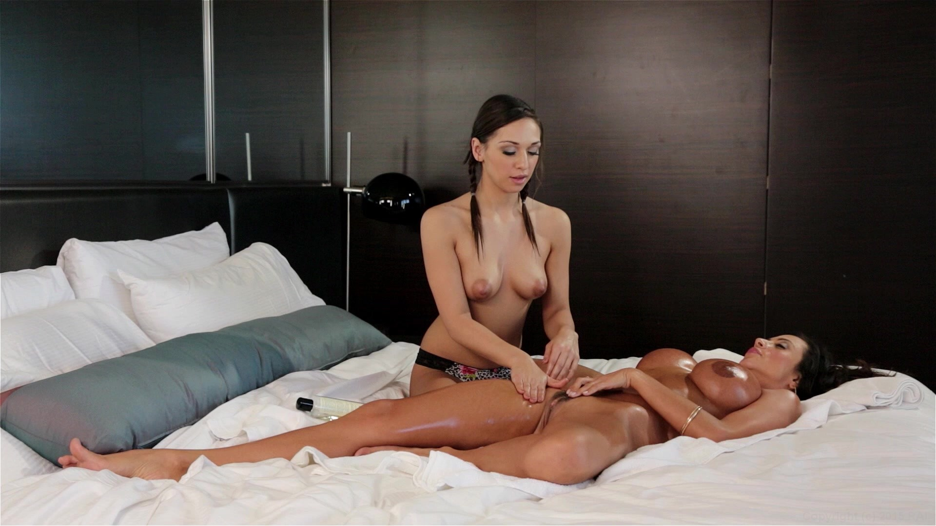 Milf Massages 38