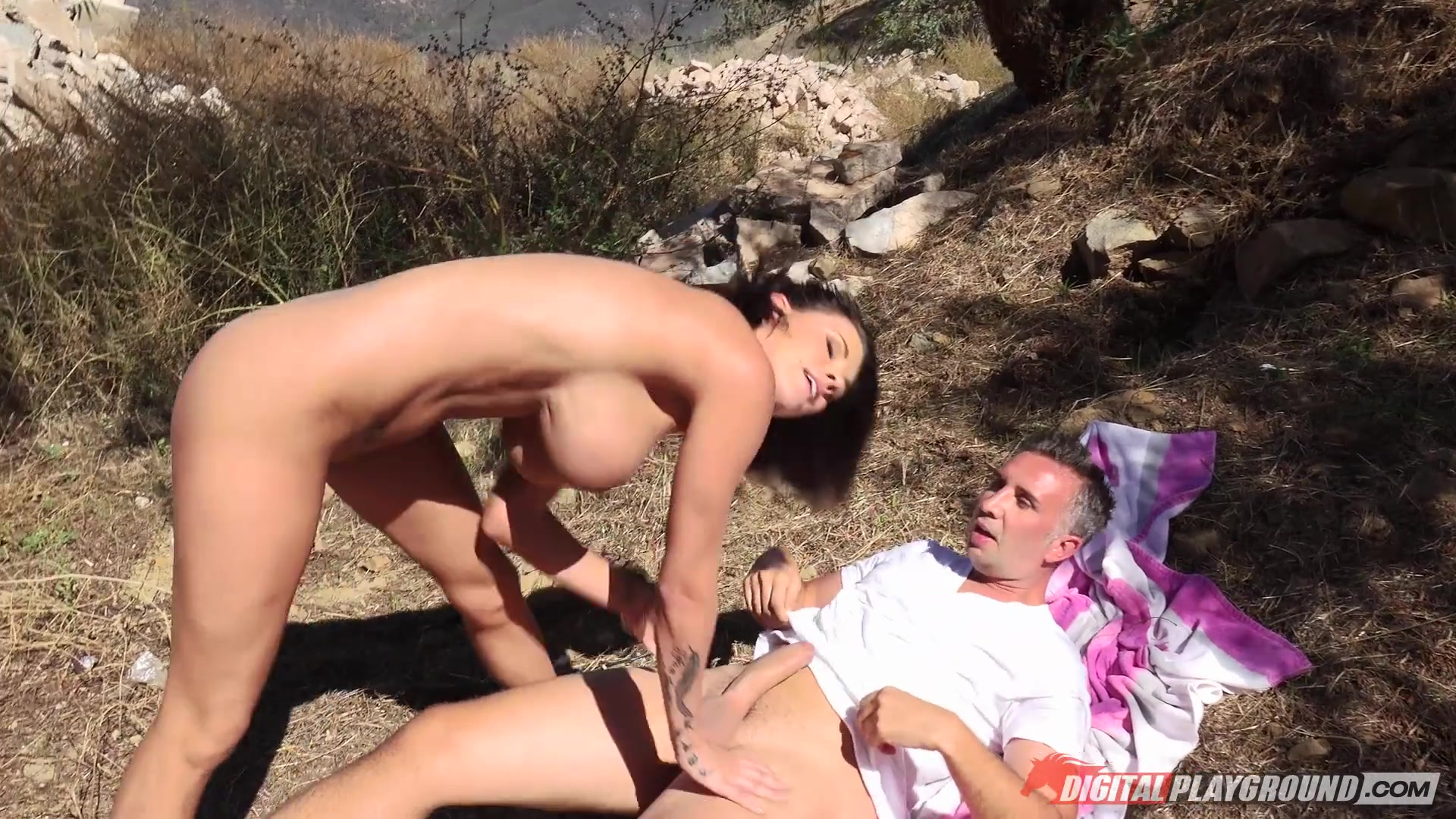 Free Outdoor Sex Videos