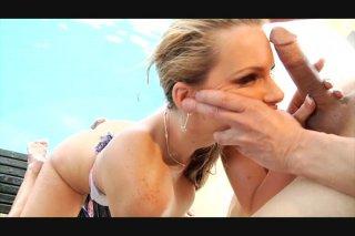 Streaming porn video still #4 from Hot Tits