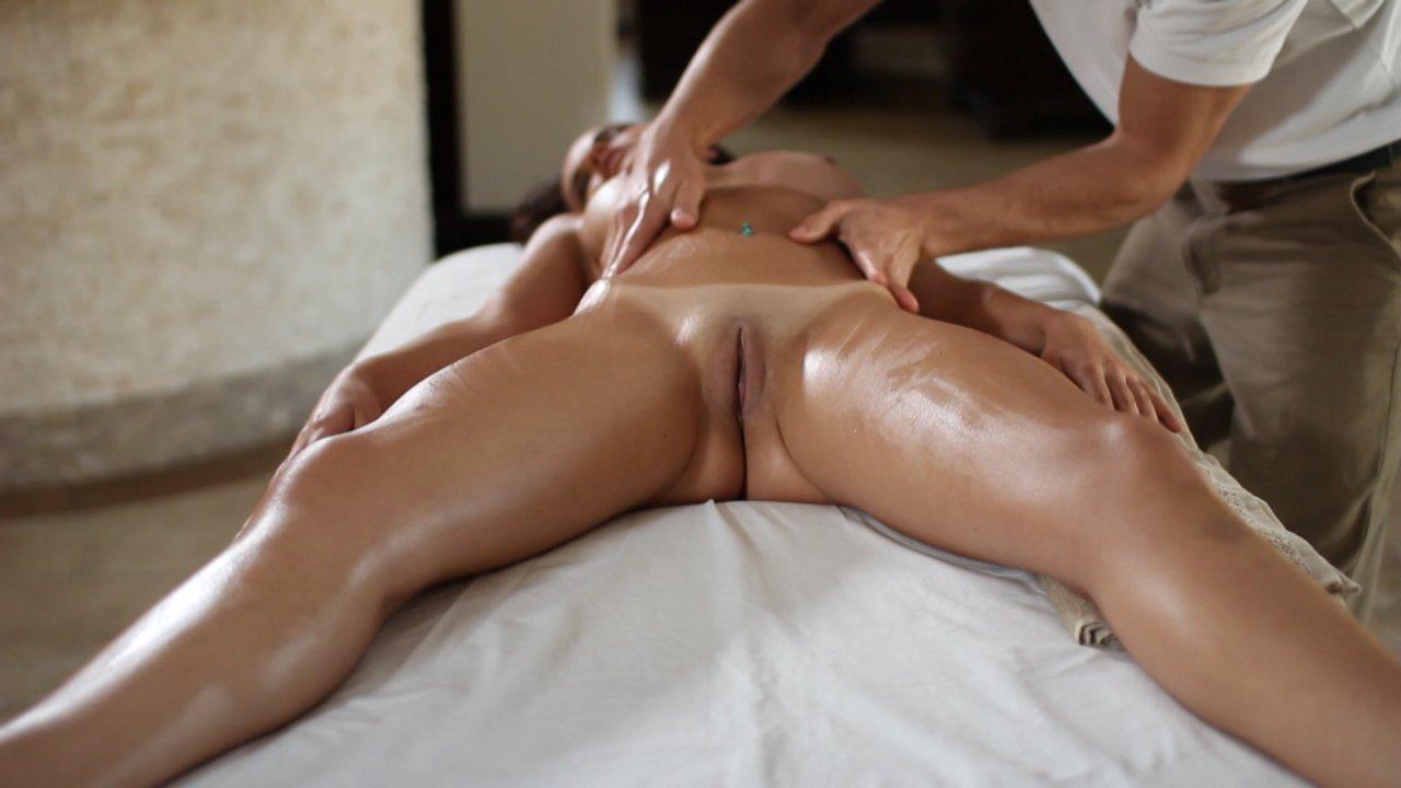 улыбку можно смотреть эротический массаж девушкам выезд