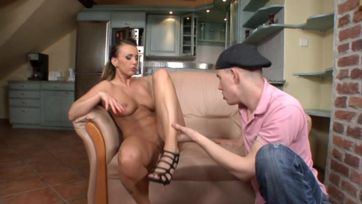 filthy-house-wife-video