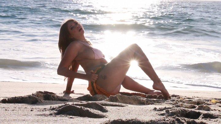 Streaming porn video still #4 from Cassidy