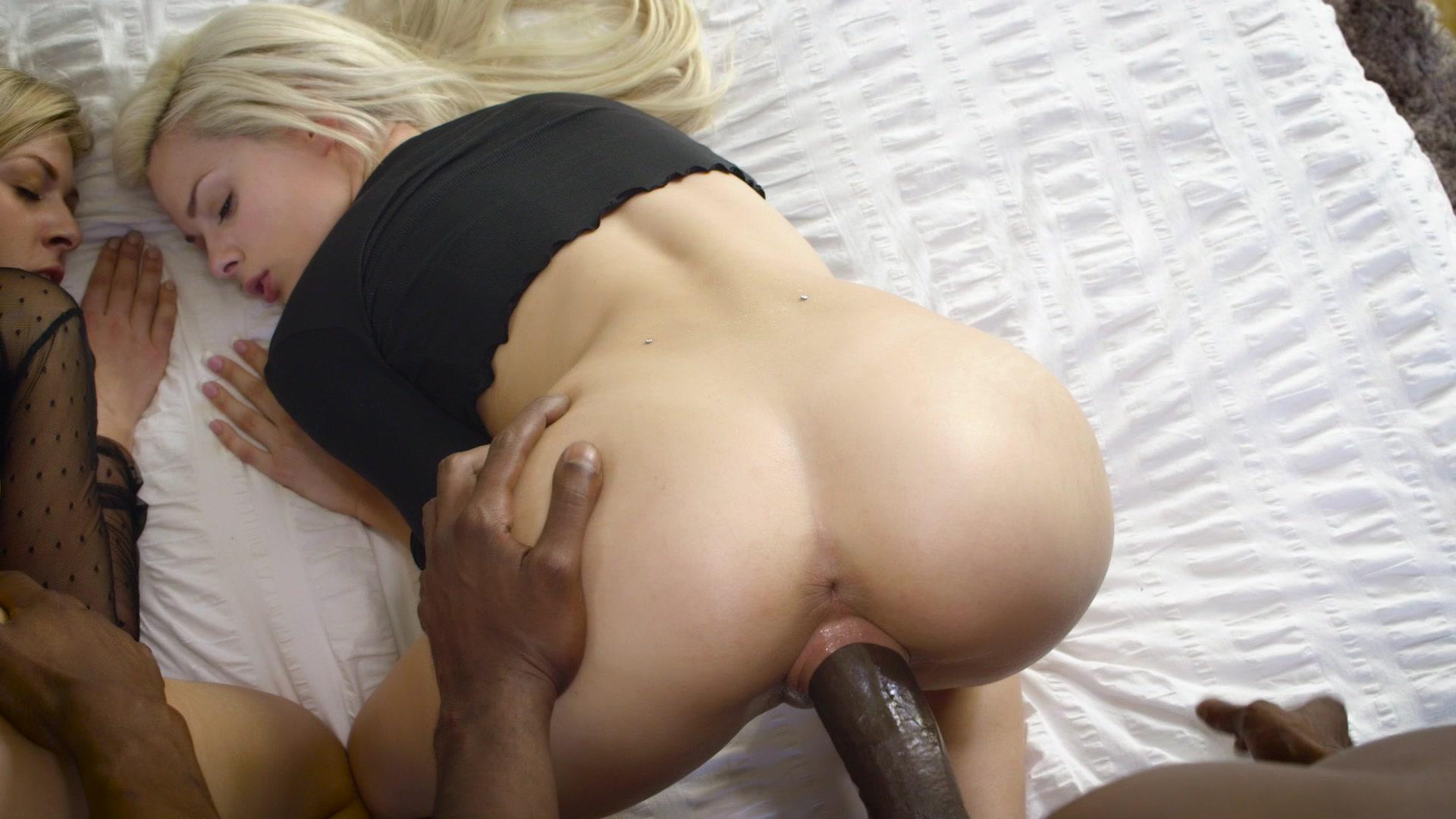 blonde erotica girls