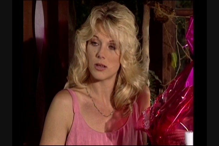 Donna mature housewives