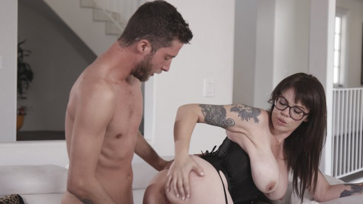 Stacked Brunette With Glasses Gia Paloma Enjoys A Pussy Pounding On The Couch