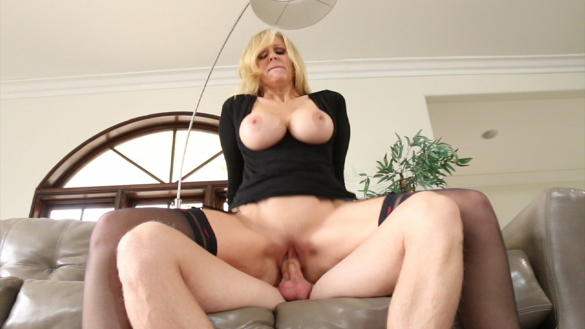 Super hot brunette dildoing her girlfriend