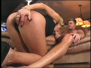 Streaming porn video still #2 from Anal Maniacs