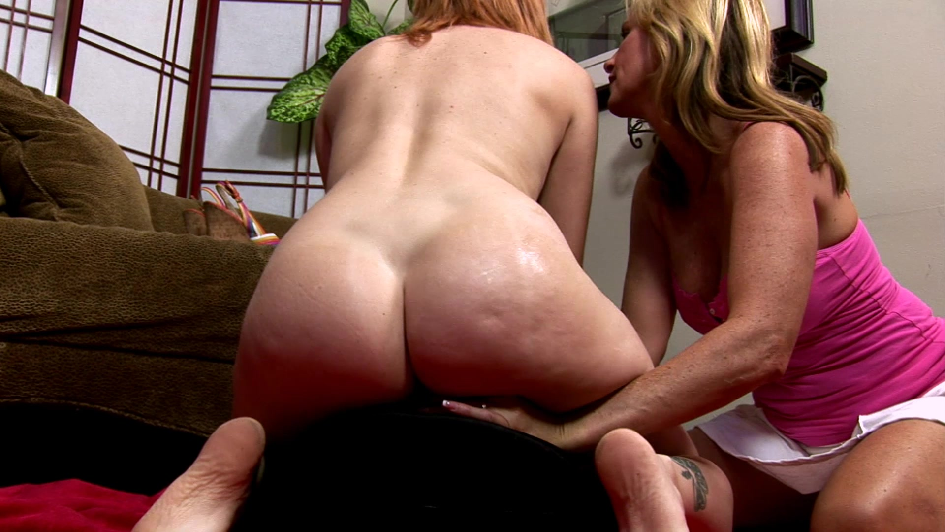 Cougar Jodi And Kitten Ivy Have Lesbian Strap-On Sex -1244