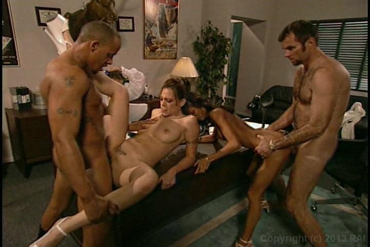 2020 Female muscle slut