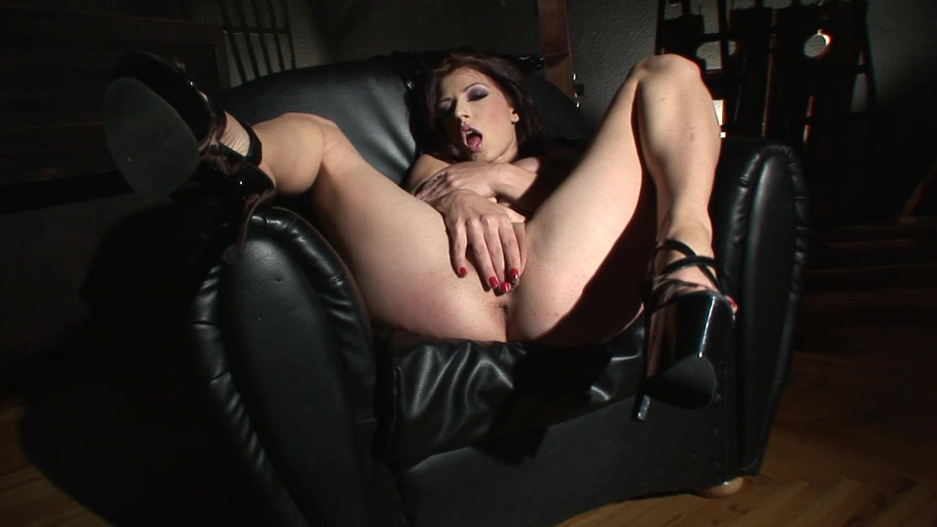Смотреть порно пила с переводом, Порно видео Порно пародия на фильм ужасов Пила 1 фотография